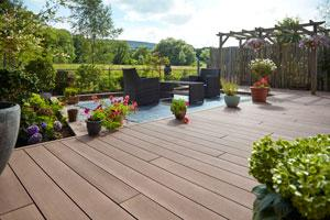 Arnold Laver to exclusively stock innovative composite decking